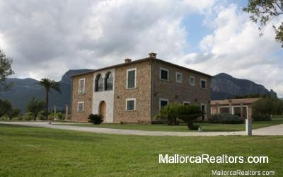 Exclusive-country-house-in-Alaro-Majorca