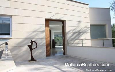 puerto-soller-minimalist-hall