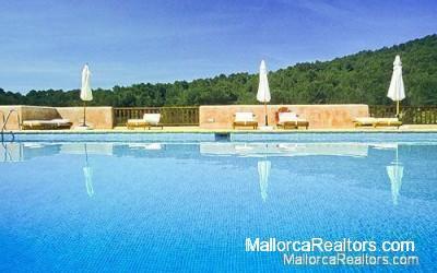 pool-hotel-ibiza