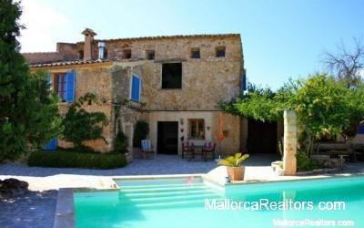 Alte-restaurierte-Finca-in-Llubi-Mallorca