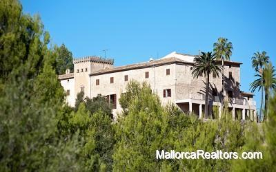 spectacular historic mansion in Puigpunyent Mallorca