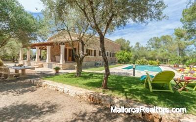 Finca mallorquina con piscina en Sineu