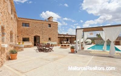 Finca restaurada en Biniali Mallorca en venta