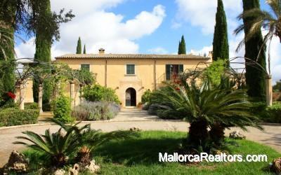 Posesion historica original de 1700 renovada en Mallorca